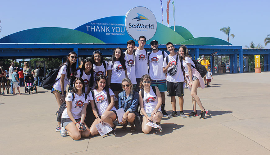 Galera do CaliBreak durante o passeio no Sea World